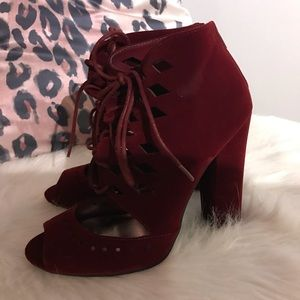 NWOT burgundy faux suede lace front heels